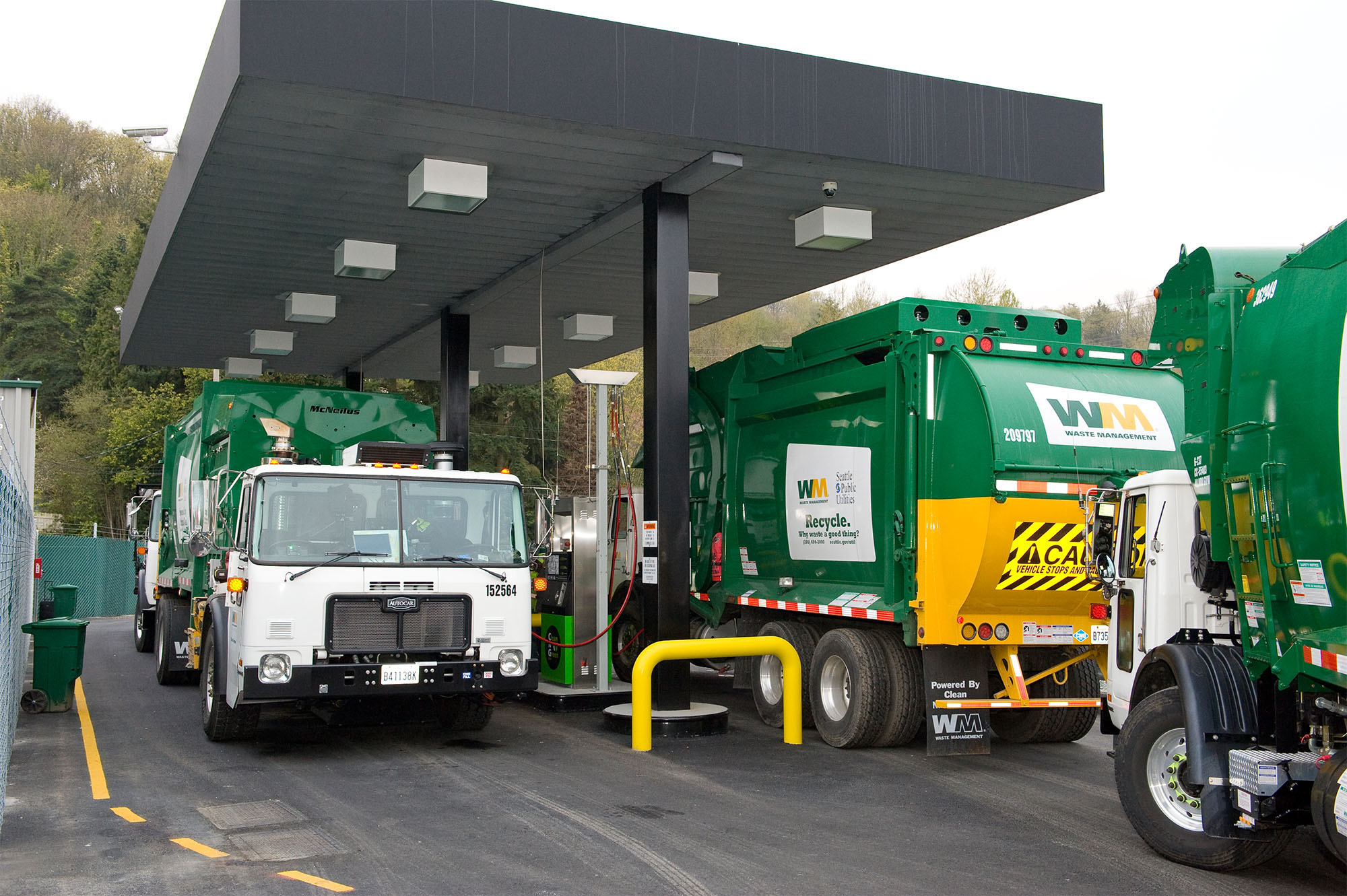 the fuse why waste management is operating the largest fleet of natural gas trucks in north. Black Bedroom Furniture Sets. Home Design Ideas